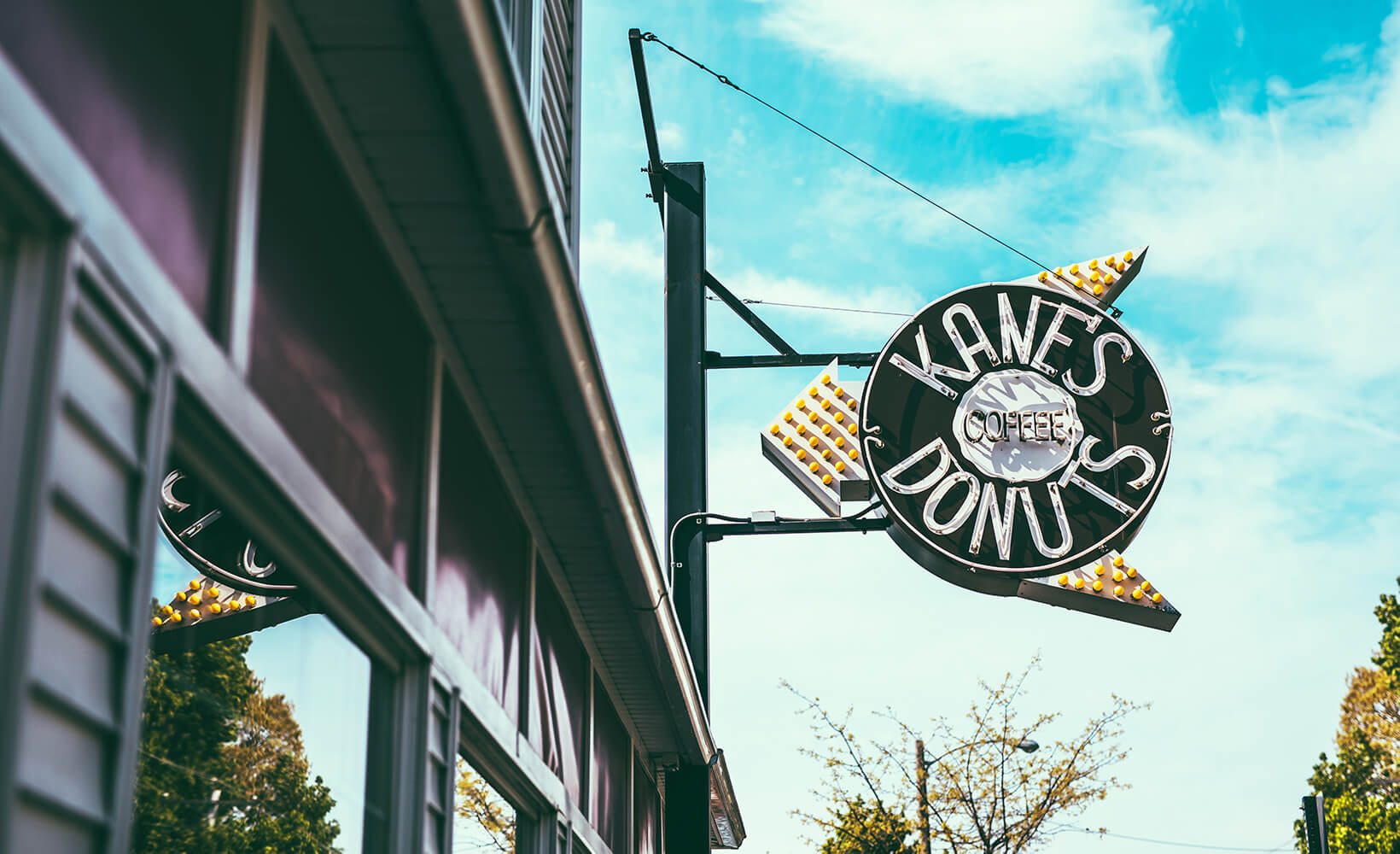 Kane's Donuts Sign
